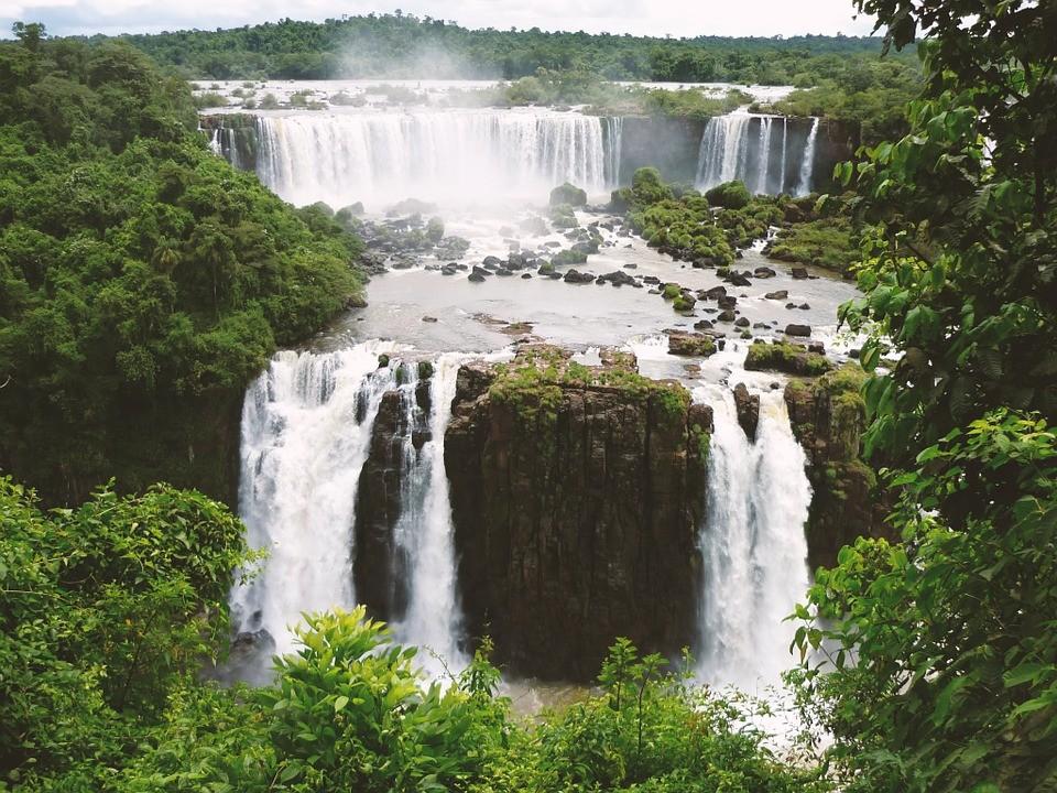 Brazília az Iguazu vízeséssel